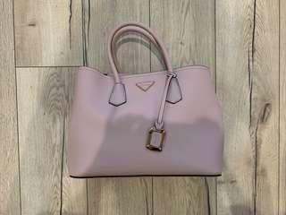 🚚 近全新達芙妮淺粉色手提包