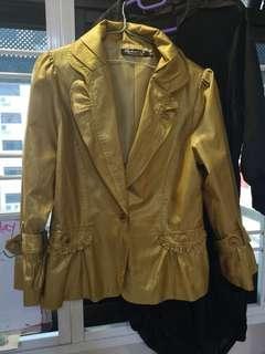 🚚 Blazer gold yellow