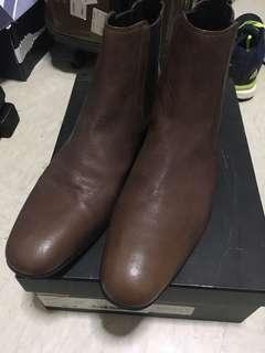 🚚 Boss leather boots