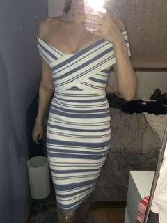 Forever new maxi dress size 6-8   To rent ($50) +bond  To buy ($119.99)