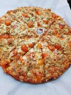 "12"" Tuna Pizza homemade"
