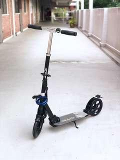 🚚 GlideCo Kick Scooter with Light and Lock