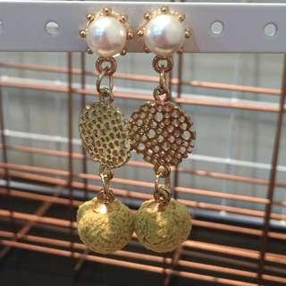 369 - Fashion Earrings