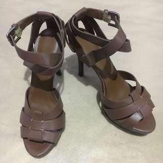 Charles & Keith size 5