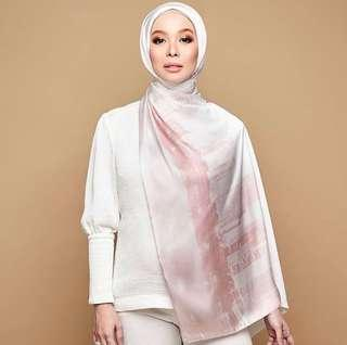 Singapore Duck Scarves - White / Pink