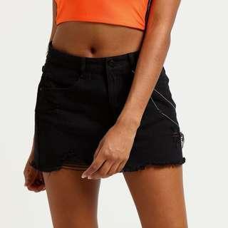 🚚 denim mini skirt w chains
