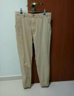 Uniqlo jogger pants bedge M size