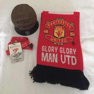 Manchester United Scarf (New) + Fan ball and VIP lanyard signed by player