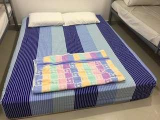 Queen size spring bed