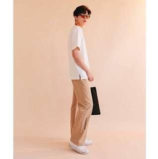 韓國品牌 FRANKENMONO 卡其直筒寬褲