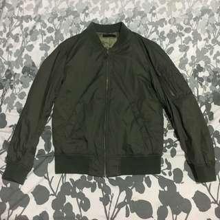 Uniqlo army green jacket