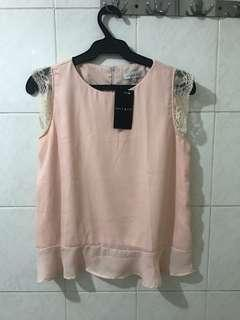 Apple & Eve Lace sleeved blouse