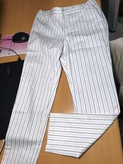 🚚 GU個性直條九分褲