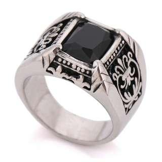 🚚 Black gem wide steel ring