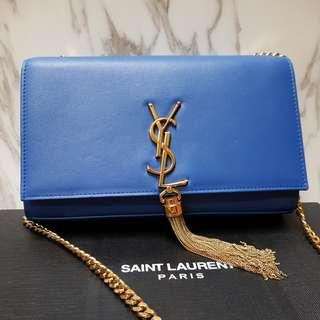 🚚 YSL Kate medium Bag in Blue with GOLD chain