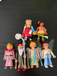 Assorted playmobil figurines