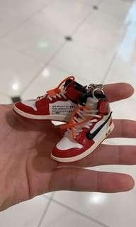 Air Jordan 1 Off White Chicago / UNC Keychain