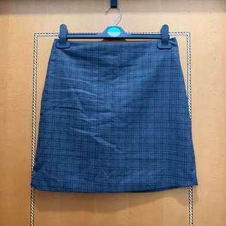 $20 灰色格仔短裙 (腰圍30吋,長44cm)