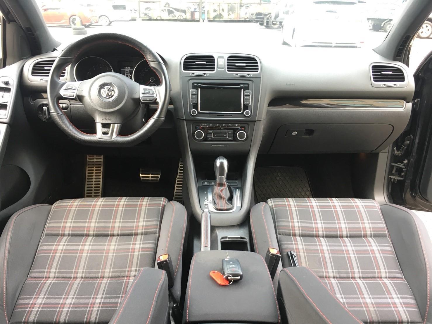 【全額貸】二手車 中古車 2012年 GOLF GTI 2.0黑 黑內裝