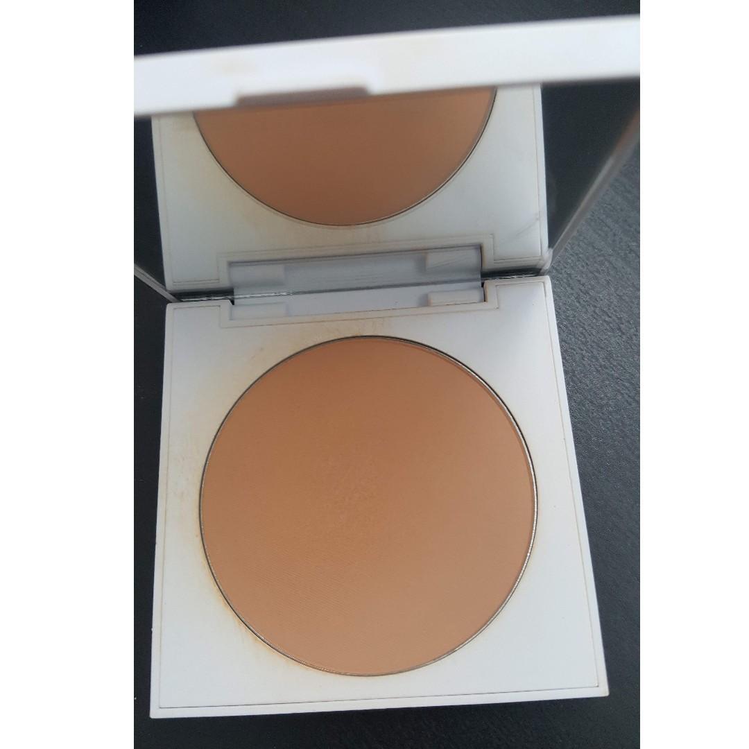 ColourPop No Filter Pressed powder 'MEDIUM DARK'