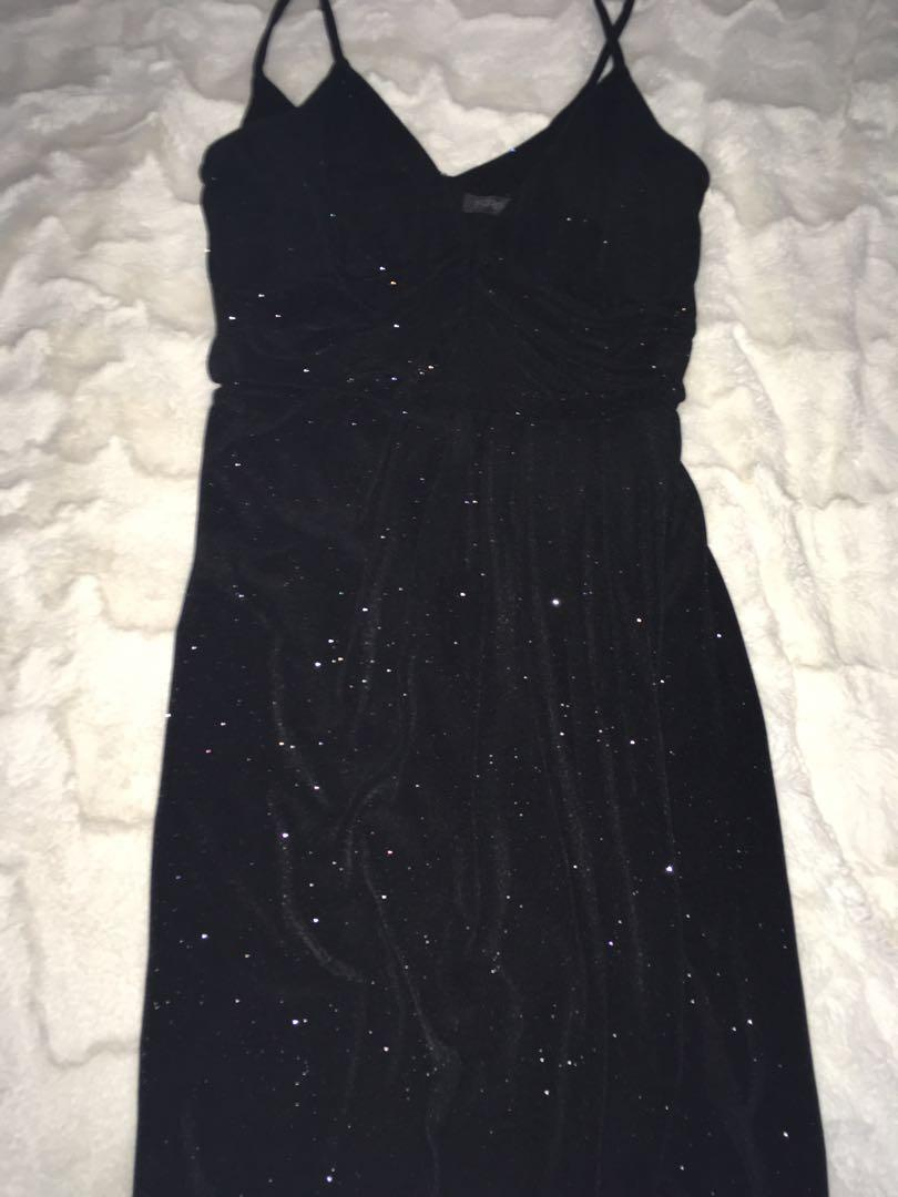 Forever new dress size 6-8  in perfect condition only worn once