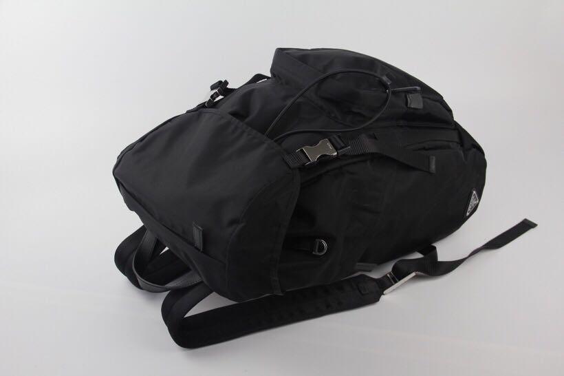 Prada 2VZ135-A, SUPERMIRROR, w26xh45xd14cm   @2.7jt  Berat 1kg  Quality d Jamin Bagus, Mirip Ori