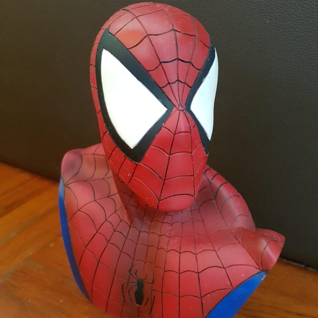 Spiderman Bust No. 2288/3000 Lengend In 3D Marvel Statue