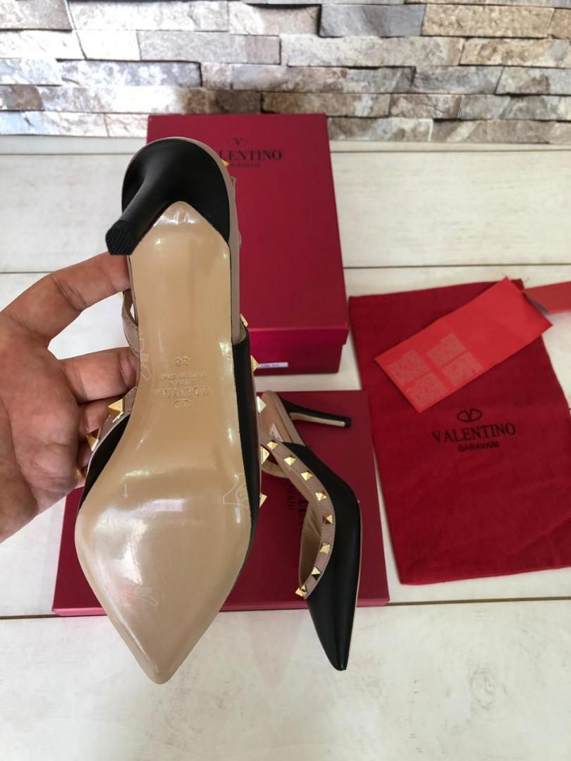Valentino 510014599, SUPERMIRROR, heel 8.5cm, tapak asli kulit size 35-40  Harga  @1.3jt  (Standar Size)  Berat 800g