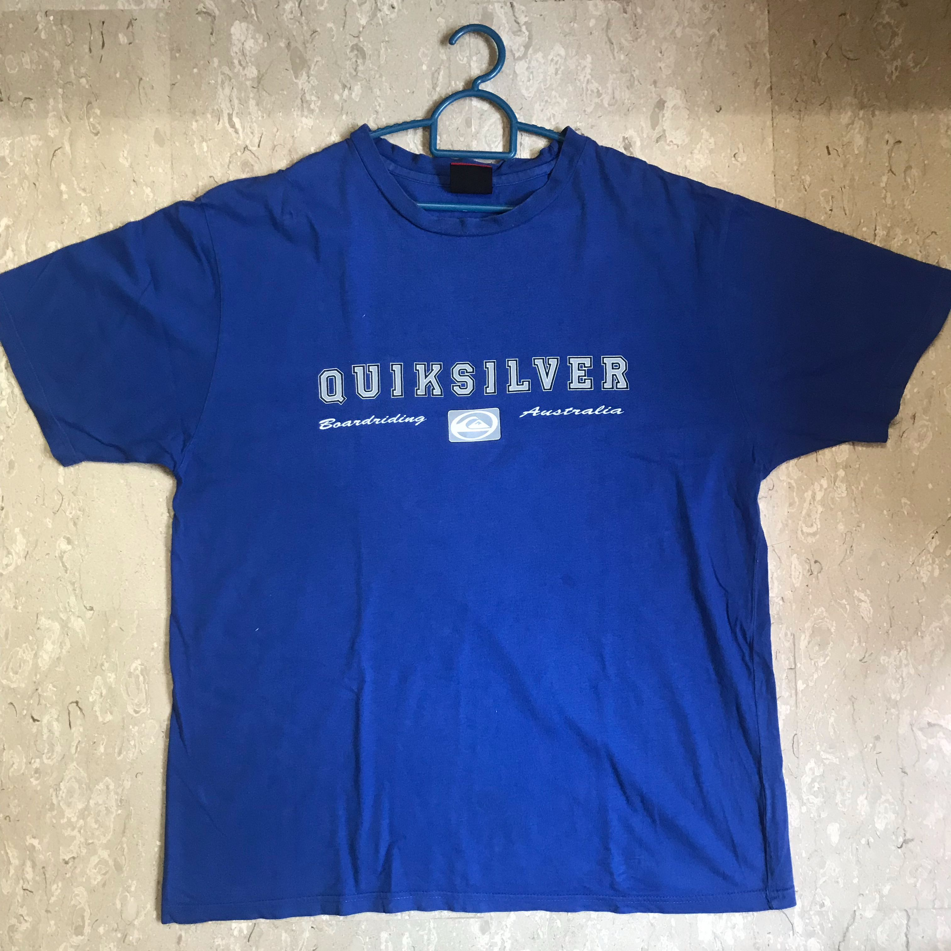 868951b8 Vintage Quicksilver Tee, Men's Fashion, Clothes, Tops on Carousell