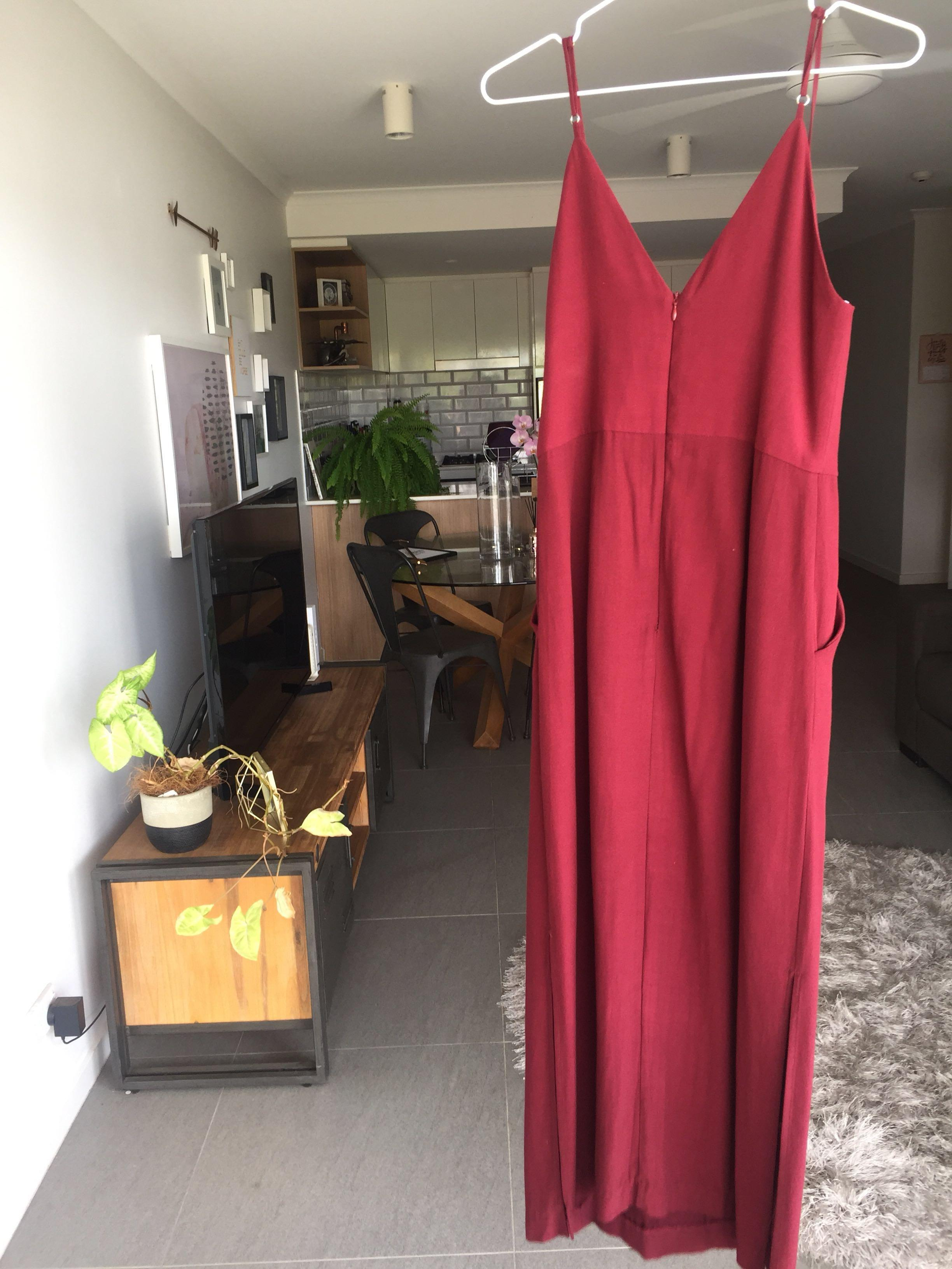 Wish - Downtown dress in the colour wine - Size 8 (XS)