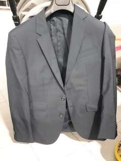 🚚 Hugo boss silk-wool blazer