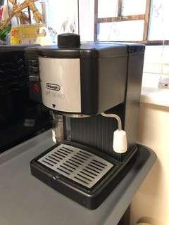 DeLonghi Coffee Machine 半自動咖啡機