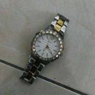 Analog Silver Dial Women's Watch-W0018L3