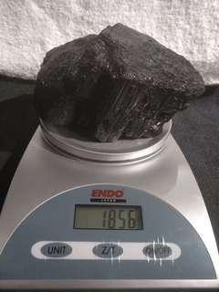 黑碧玺 , 黑电气石 , 原矿 black tourmaline ore