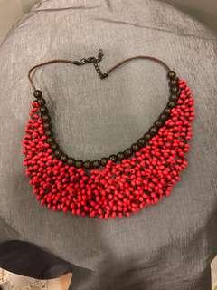 🚚 Choker necklace