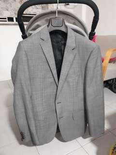 🚚 Hugo boss blazer with casual pants