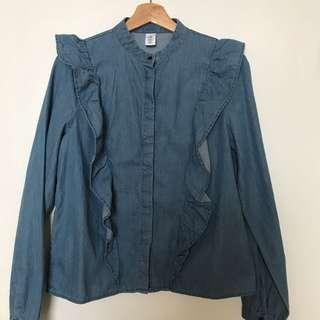 Cute denim shirt with ruffles