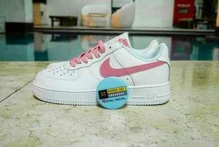 NIKE AIR FORCE 1 WHITE ORACLE PINK WHITE