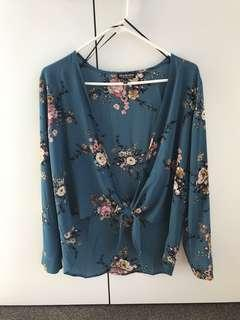 Long sleeve top size s