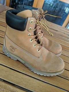 Brown Timberlands - Women Size 7