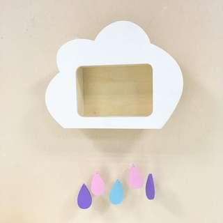 🚚 New wooden cloud shelf for children's room