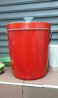 🚚 Bucket