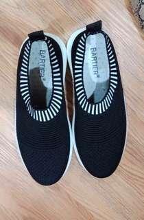 Sepatu sneakers wanita, sport
