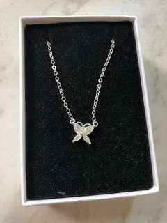 Jisoo butterfly necklace