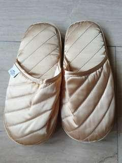 🚚 Naraya Gold Bedroom Slippers