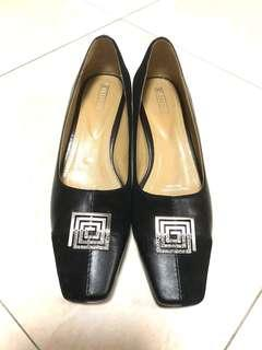 Ladies Shoes / Women Shoes Heels Size 39 (Everbest)