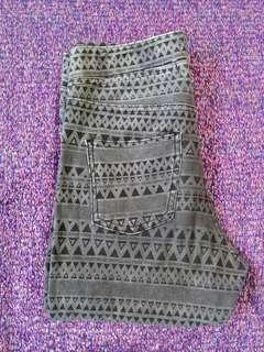 H&M Gray Aztec Jeggings