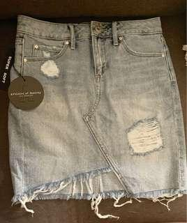 Articles of Society - midi rise denim skirt (brand new with tags) (size 7/27)