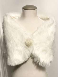 LlKE NEW FAUX FUR CAPE WITH PEARL CLOSURE