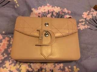 Dior 粉紅手攜包